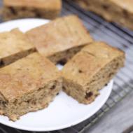 Super Easy Banana Snack Cake Recipe