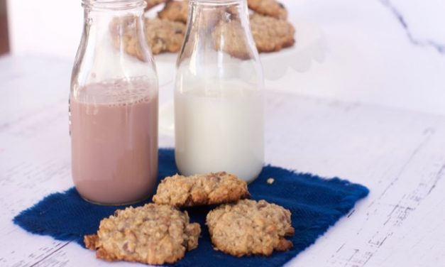 Loaded Oatmeal Cookies Recipe with a Tea Latte