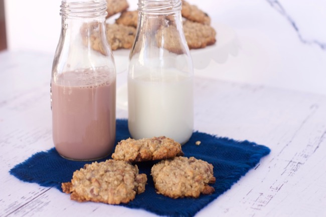 Loaded Oatmeal Cookies Recipe with a Tea Latte
