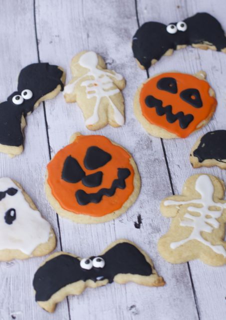 Easy Halloween Cookies & Halloween Gift Ideas