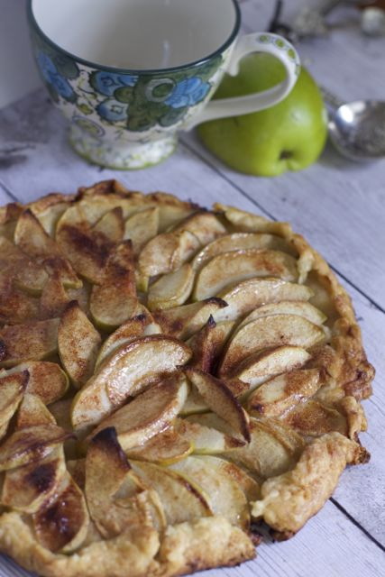 how to make an easy apple galette