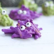 Chocolate Covered Pretzel Recipe: Monsters Halloween Treat
