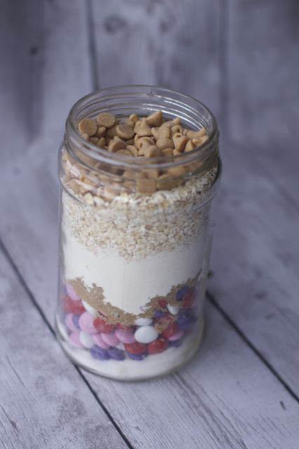 layered cookies in a jar recipe
