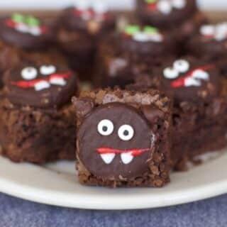 Scaredy Cat Halloween Brownie Idea