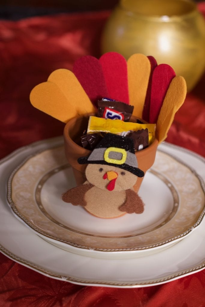 Thanksgiving Place Cards And 8 Other Thanksgiving Favors