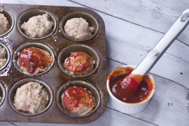 mini cheese stuffed meatloaves