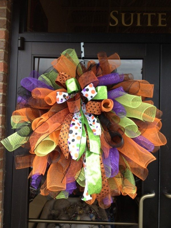 Decorate Your Door with these Fall and Halloween DIY Wreaths