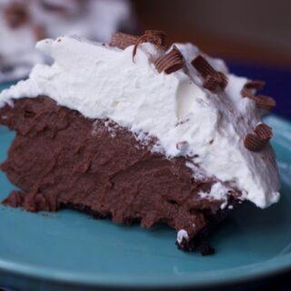 Creamy Milk Chocolate Pudding Pie