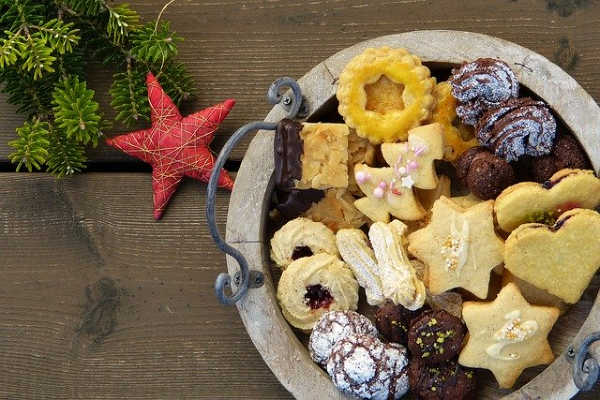 cookie exchange christmas cookies tray