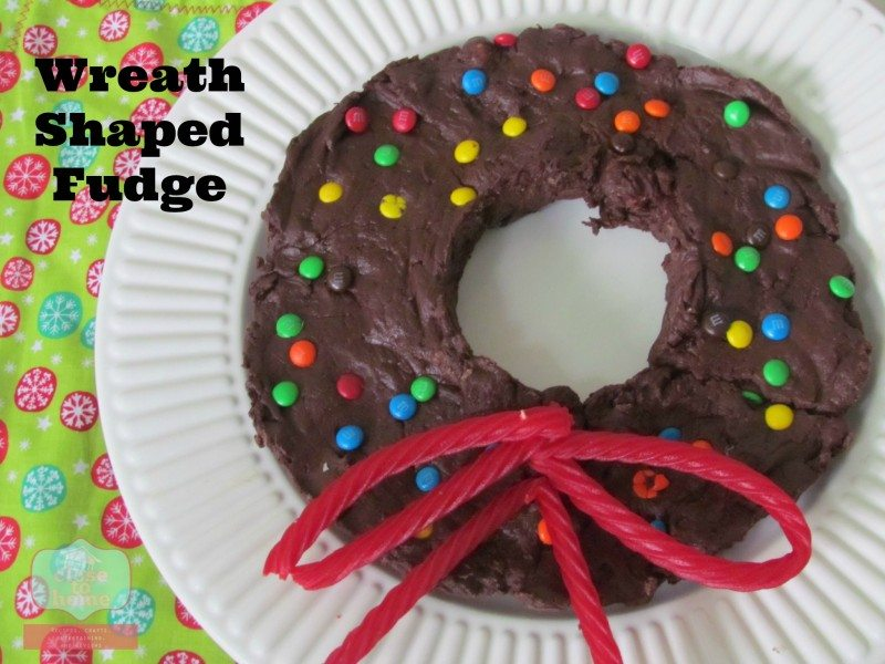 How to Host a Last Minute Holiday Party (Fudge Wreath Recipe)