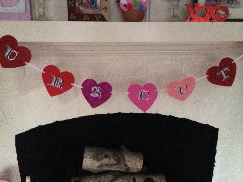 DIY Valentines Day Banner