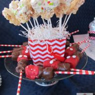 Throw a Mickey Themed Party–Showing our #DISNEYSIDE