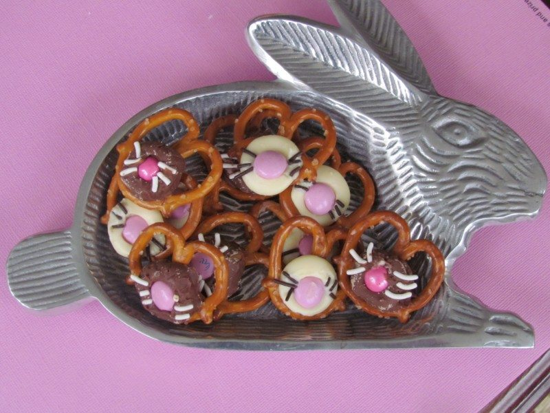 Three irresistible Pretzel & Chocolate Easter Dessert Ideas Chocolate  bunnies