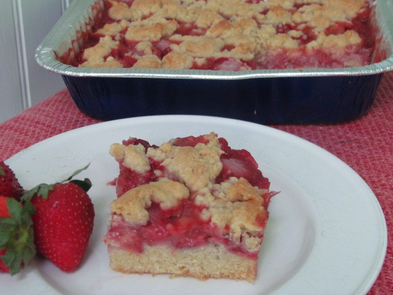 strawberry-crumb-bar-recipe
