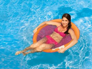 SwimWays Spring Float Papasan - lifestyle shot