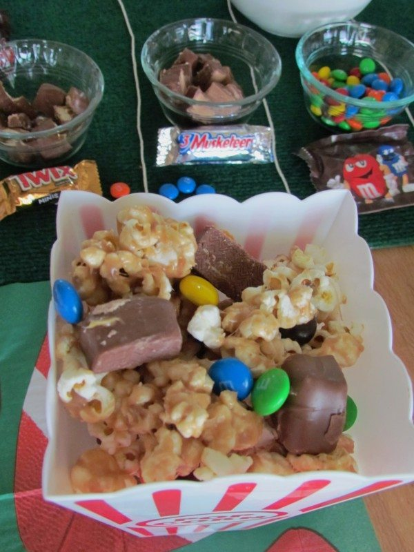 candy-bar-popcorn-recipe