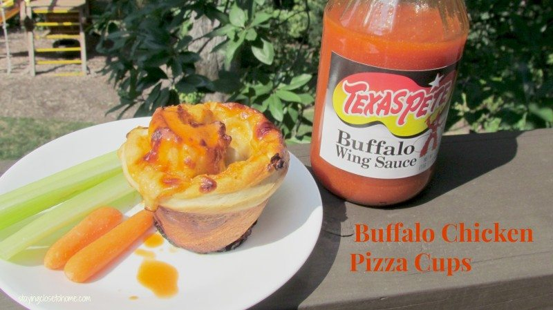 Buffalo Chicken pizza cups