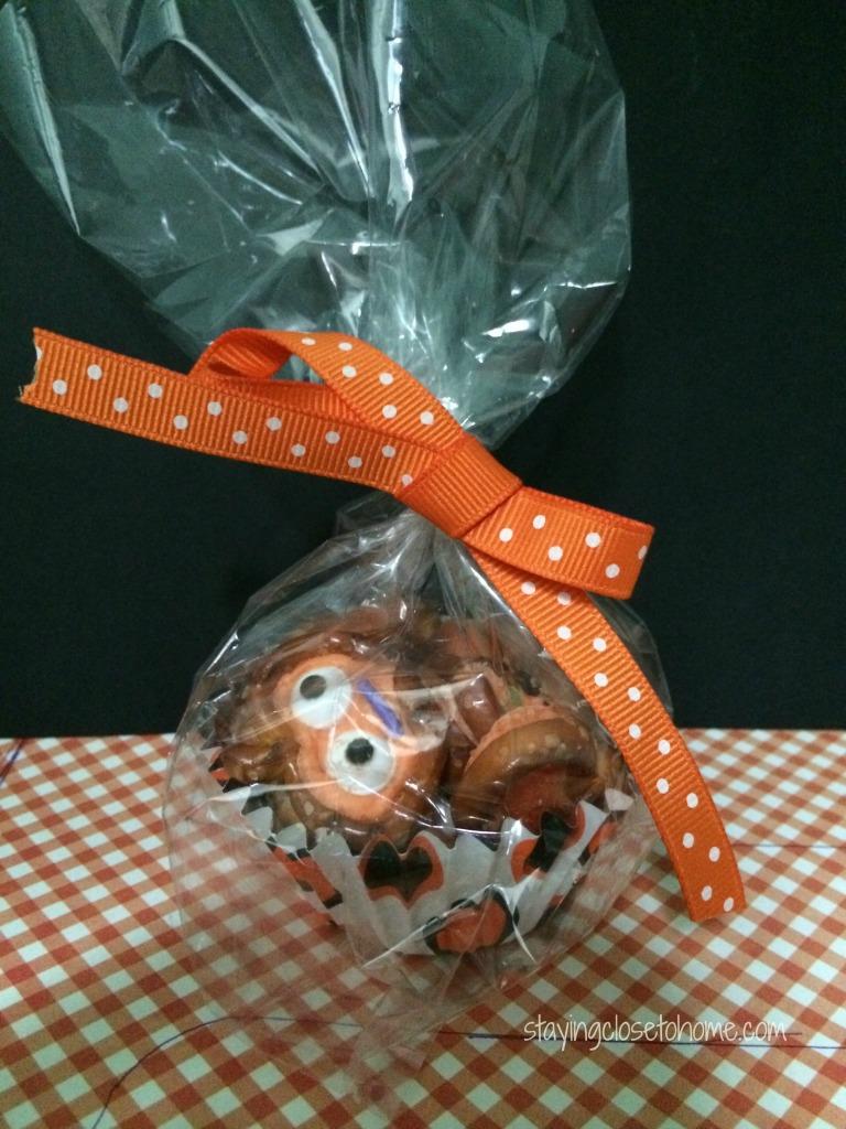pumpkin-pretzel-treats