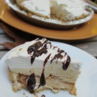 Frozen Pumpkin Pie Ice Cream Pie