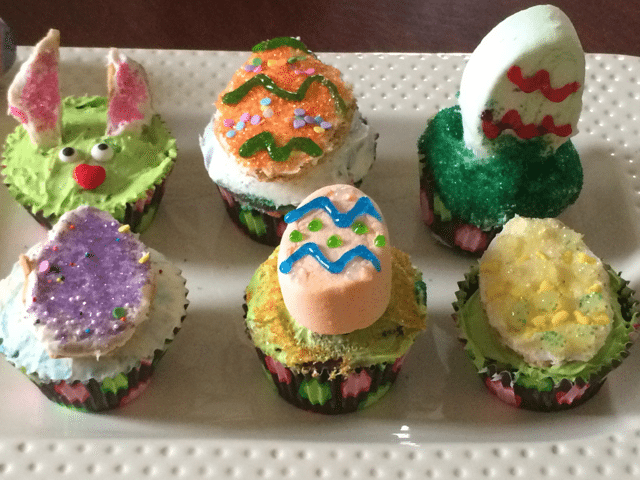 Easter Desserts:  Easter Cupcakes