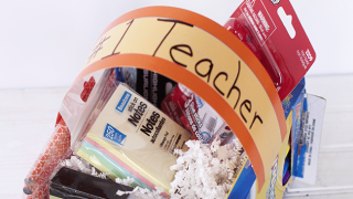 DIY Teacher Appreciation Gifts/  DIY Candy Easter Baskets under $10