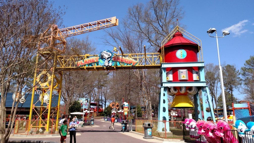 What to Expect At Kings Dominion Amusement Park Planet Snoopy