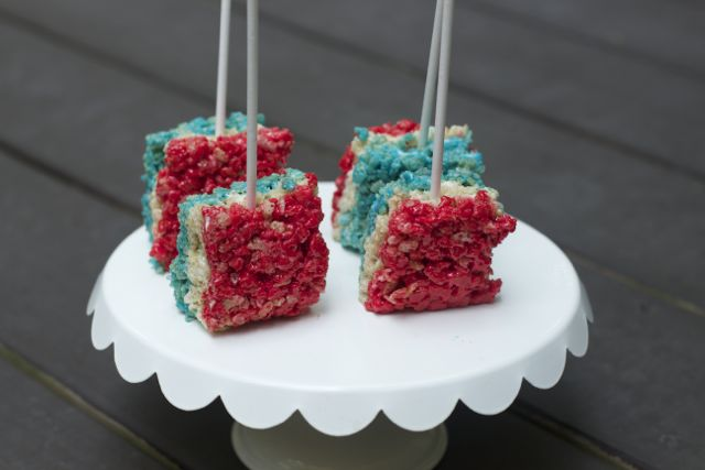 4th Of July Desserts are so much easier when you choose some of our favorite semi-homemade ideas! Make these 4th of July Desserts with ease for your party!