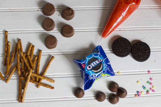 Halloween OREO ingredients