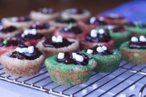 hot chocolate filled cookies