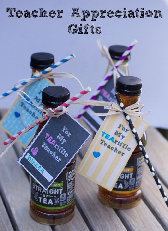 simple Teacher appreciation gifts and free printable for this tea gift.