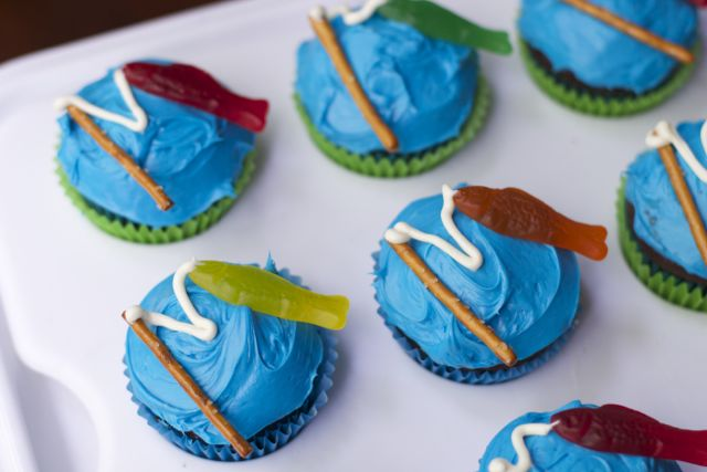fishing birthday party cupcakes.5