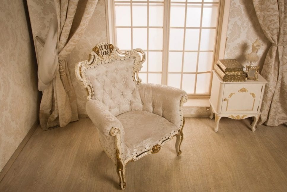 Top 5 Advantages of Choosing Vintage Furniture