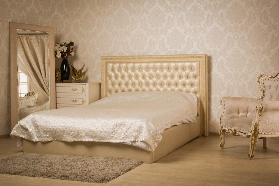 Top 5 Advantages of Choosing Vintage Furniture