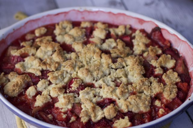 The Easiest Strawberry Rhubarb Cobbler Recipe