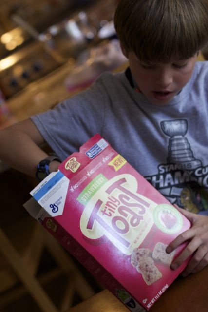Easy breakfast ideas for teens and tweens with Tiny Toast cereal
