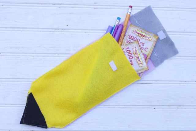 Make these Back to School DIY teacher Gift Pencil Pouch Gift