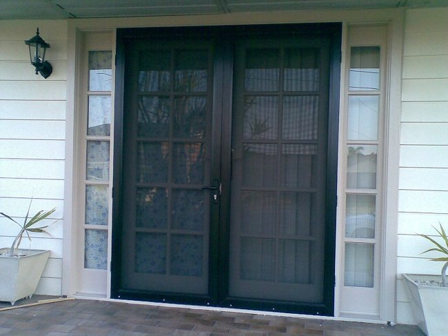 How to select the best security screen doors for your home for Security screen doors for french doors