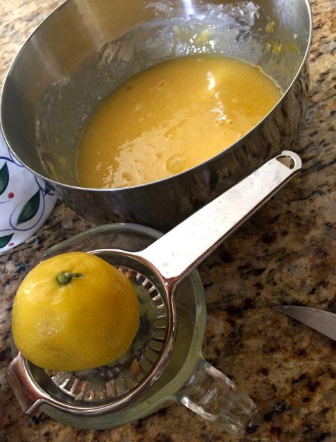 Make these super easy lemon bars using fresh lemons