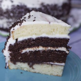 Cant choose between chocolate or vanilla cake, we have the answer with this amazing chocolate vanilla birthday cake recipe