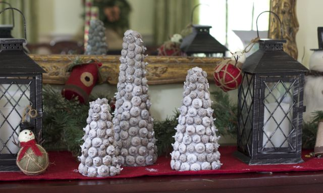 DIY Acorn Christmas Tree Decorations
