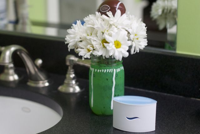 How to Prepare for the #HalftimeBathroomBreak Rush: Super Bowl Party Bathroom Ideas