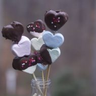 Easy Valentines Day Treats: Marshmallow Kebabs