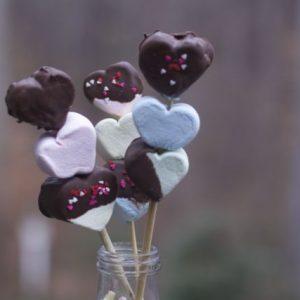 Easy Valentines Day Treats: Marshmallow Kebabs