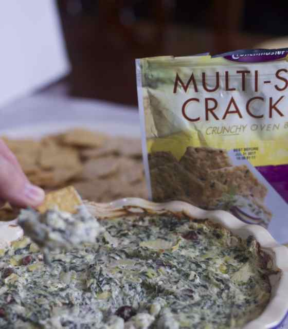 Warm Greek Spinach and Feta Gluten-Free Dip