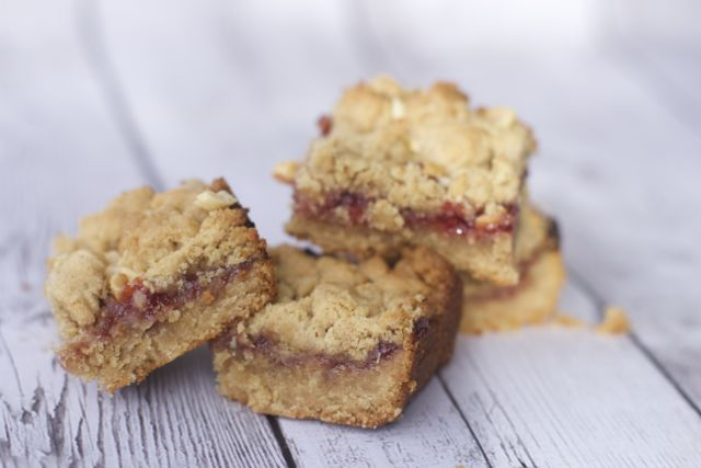 peanut butter jelly bars recipe