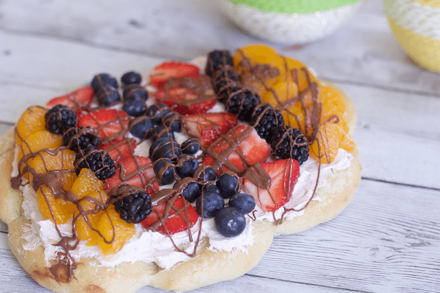 Deliciously Easy Easter Fruit Pizza Recipe