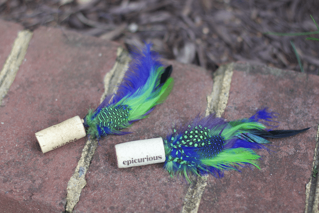DIY Inexpensive Feather Cork Cat Toys