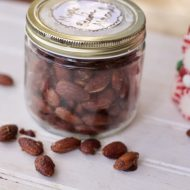 Addicting Bacon Maple Glazed Almonds Recipe