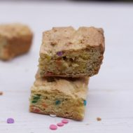 6 Ingredient Sprinkled Cake Mix Blondie Brownie Recipe