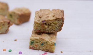 6 Ingredient Sprinkled Cake Mix Blondie Brownie Recipe